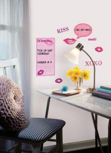 RoomMates stickers muraux - Tableau blanc avec bisous