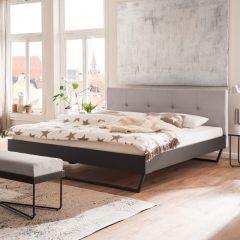 Lit double Bosko 180x200 avec pieds de traîneaux - beige/gris